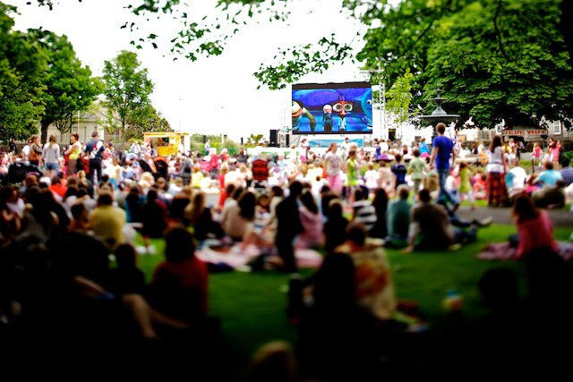 Outdoor Movies in the Park – No parking on local estates